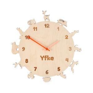 houten klok met naam om te leren klokkijken